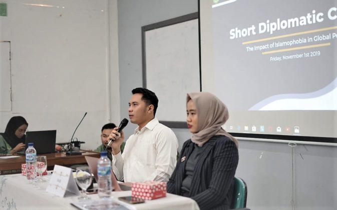 Short Diplomatic Course HIMAHI Unas