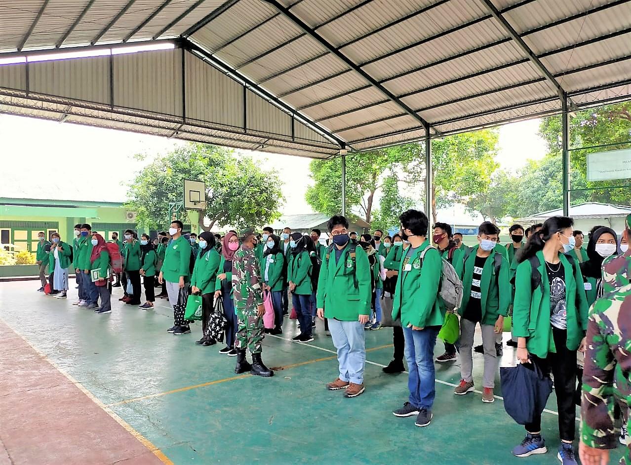 Mahasiswa Unas peserta PKKM Bela Negara di Rindam Jaya