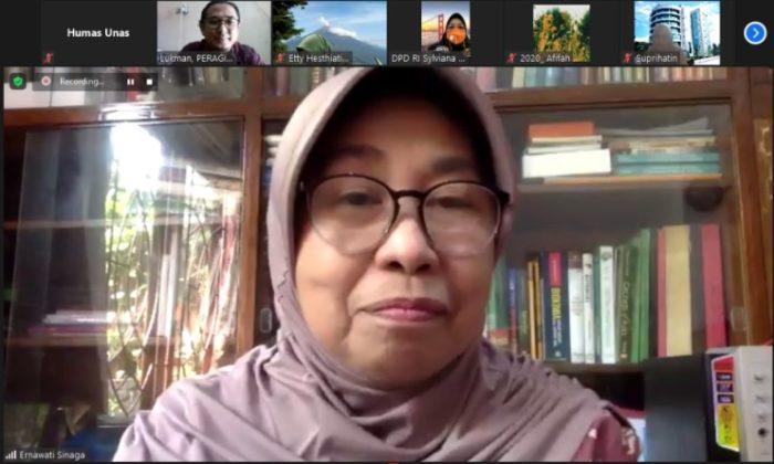 Wakil Rektor Bidang PPMK Universitas Nasional, Prof. Dr. Ernawati Sinaga, M.S., Apt., dalam webinar yang diadakan PPM-Unas dan PERAGI Komda DKI